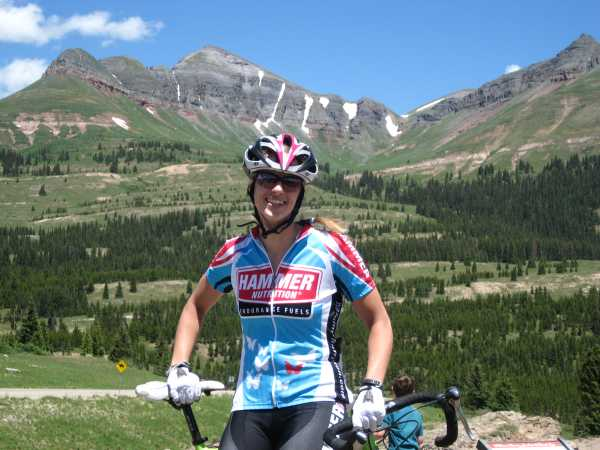 Liz, wearing her soon-to-be-misplaced Lance Armstrong helmet